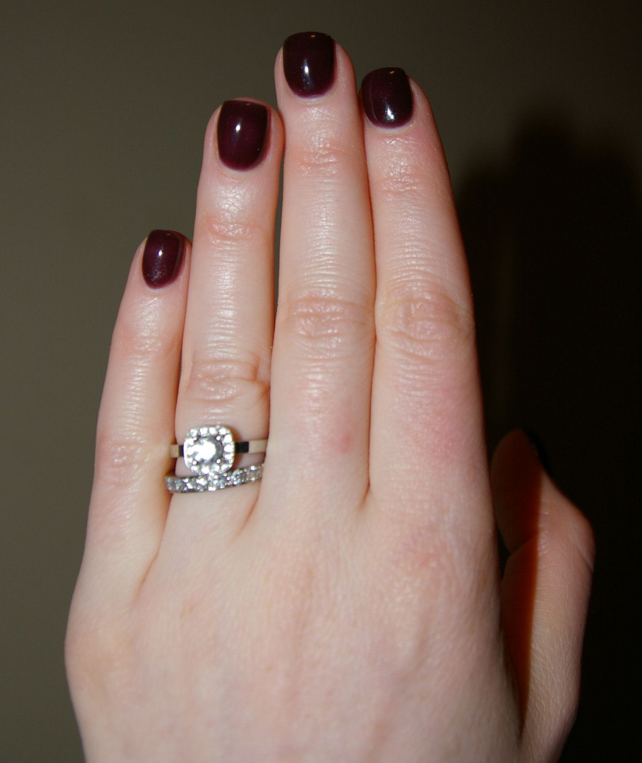 I'm a firm believer in short nails. Such a perfect shape ...