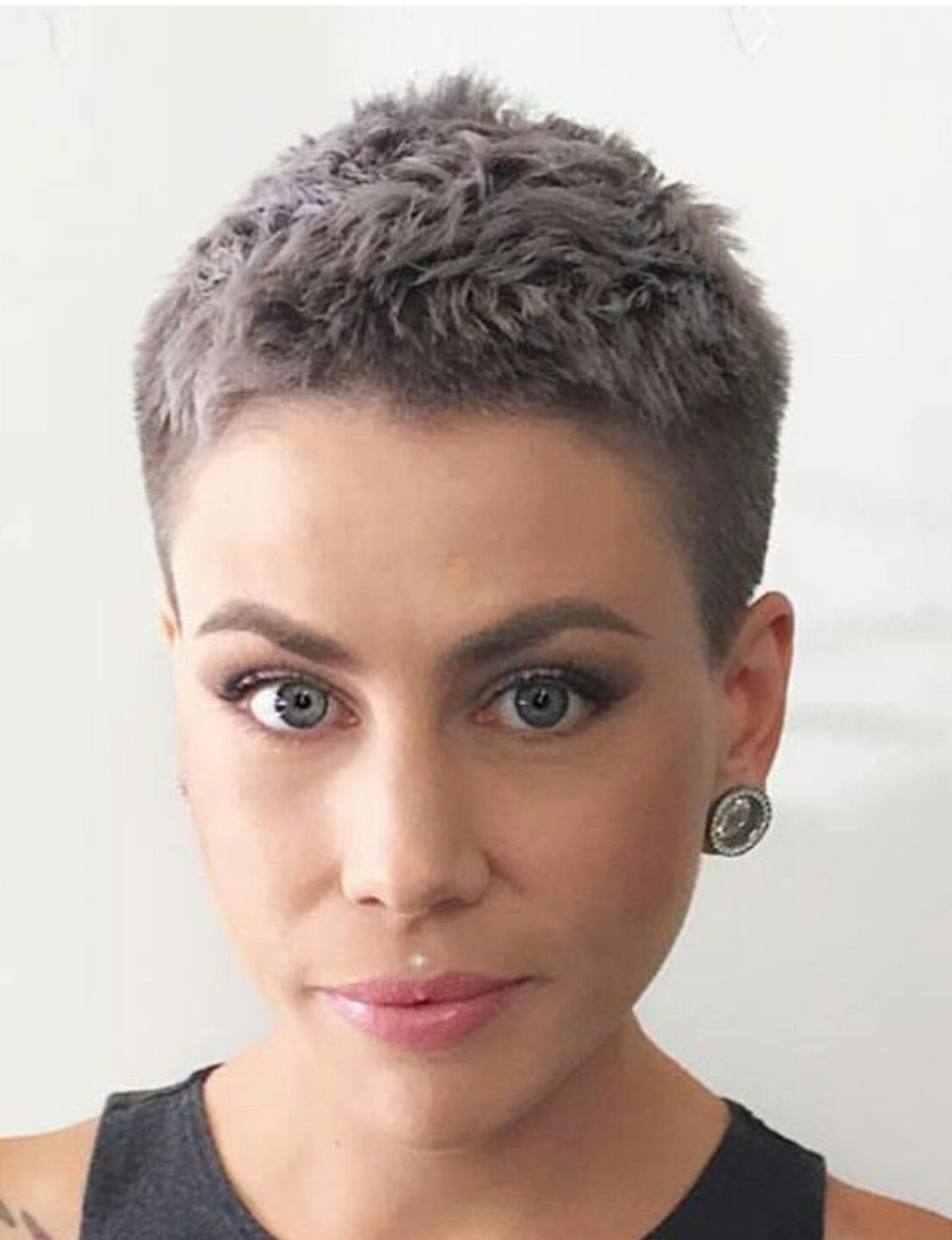 Very Short Haircuts 1 Best Haircut Style For Men Women And Kids Trending In 2021 Really Short Hair Very Short Haircuts Short Hair Styles