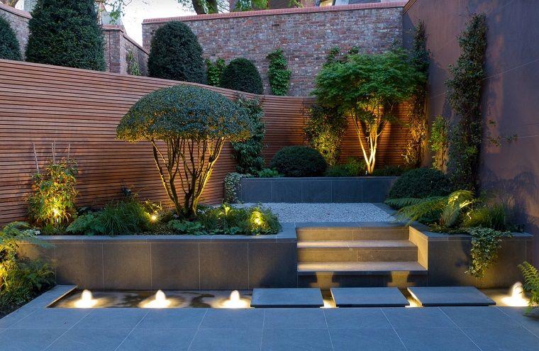 Piante Per Recinzioni Giardino.Piante Ornamentali Da Giardino Recinzione In Legno E Piccole