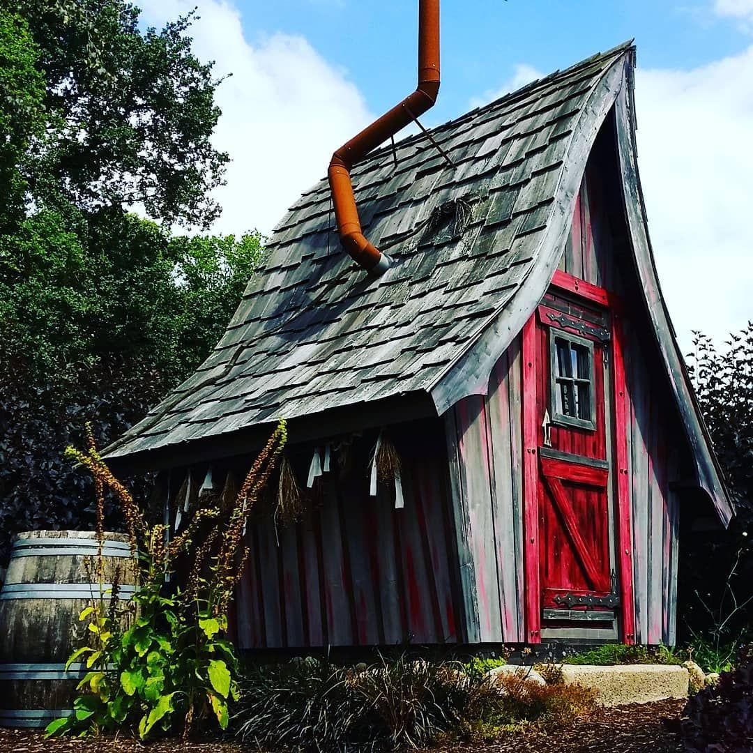 Ein Hexenhaus Gartenhaus ist ein echter Hingucker im