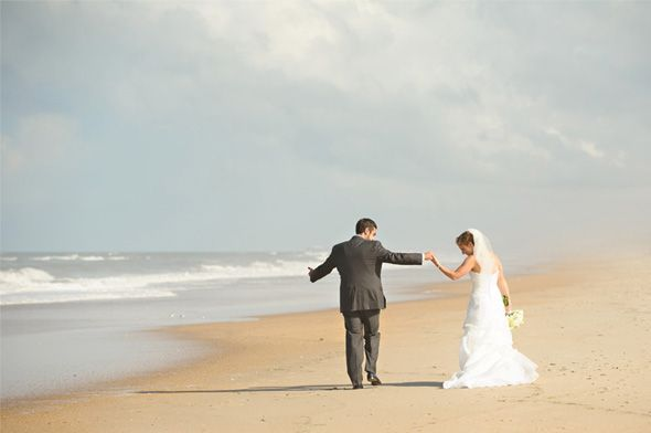 Dancing on the Outer Banks. Neil GT Photography http://www.outerbanksweddingassoc.org/membersearch/memberpage.html?MID=1891=Photographers=16