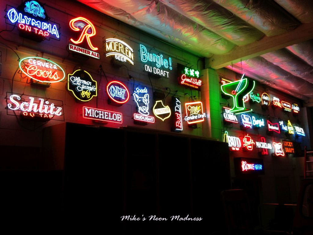 Vintage Neon Beer Signs Mikes's Neon Madness Part Of Vintage Neon Beer Sign Collection