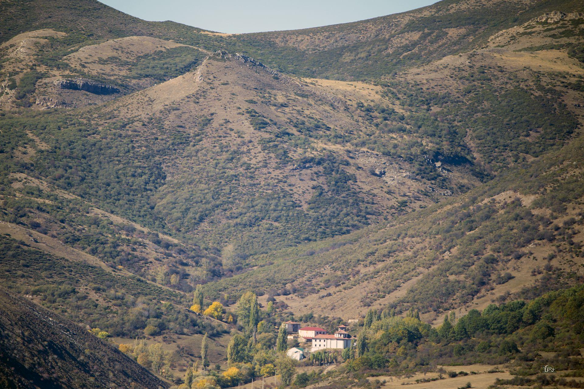 Abadía De Lebanza La Pernía Palencia España Parques Naturales Montañas San Salvador