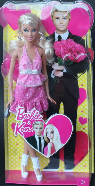 2013 exclusive valentine barbie so cute