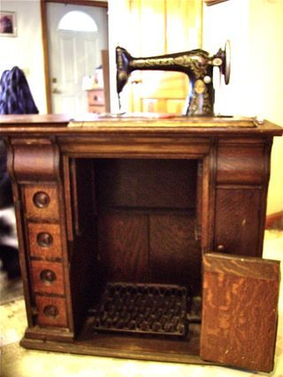 18 best Sewing machine restoration images on Pinterest | Sewing ...