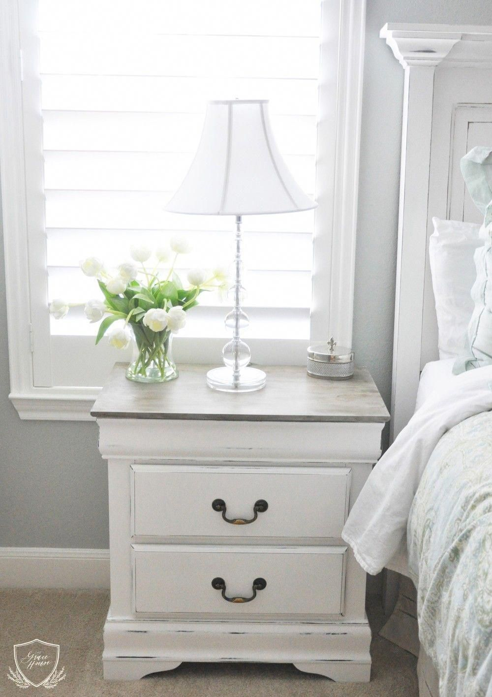 French Linen and Pure White Chalk Paint® help update