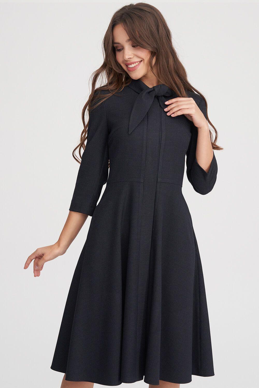 7f72eb45e64 Фактурное платье с расклешенной юбкой станет базовой единицей твоего  офисного дресс-кода в холодное время