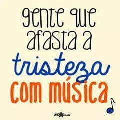Com música