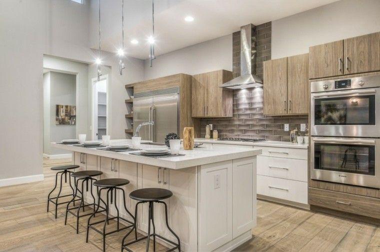 taburetes de acero negro en la cocina moderna | Remodelacion cocina ...
