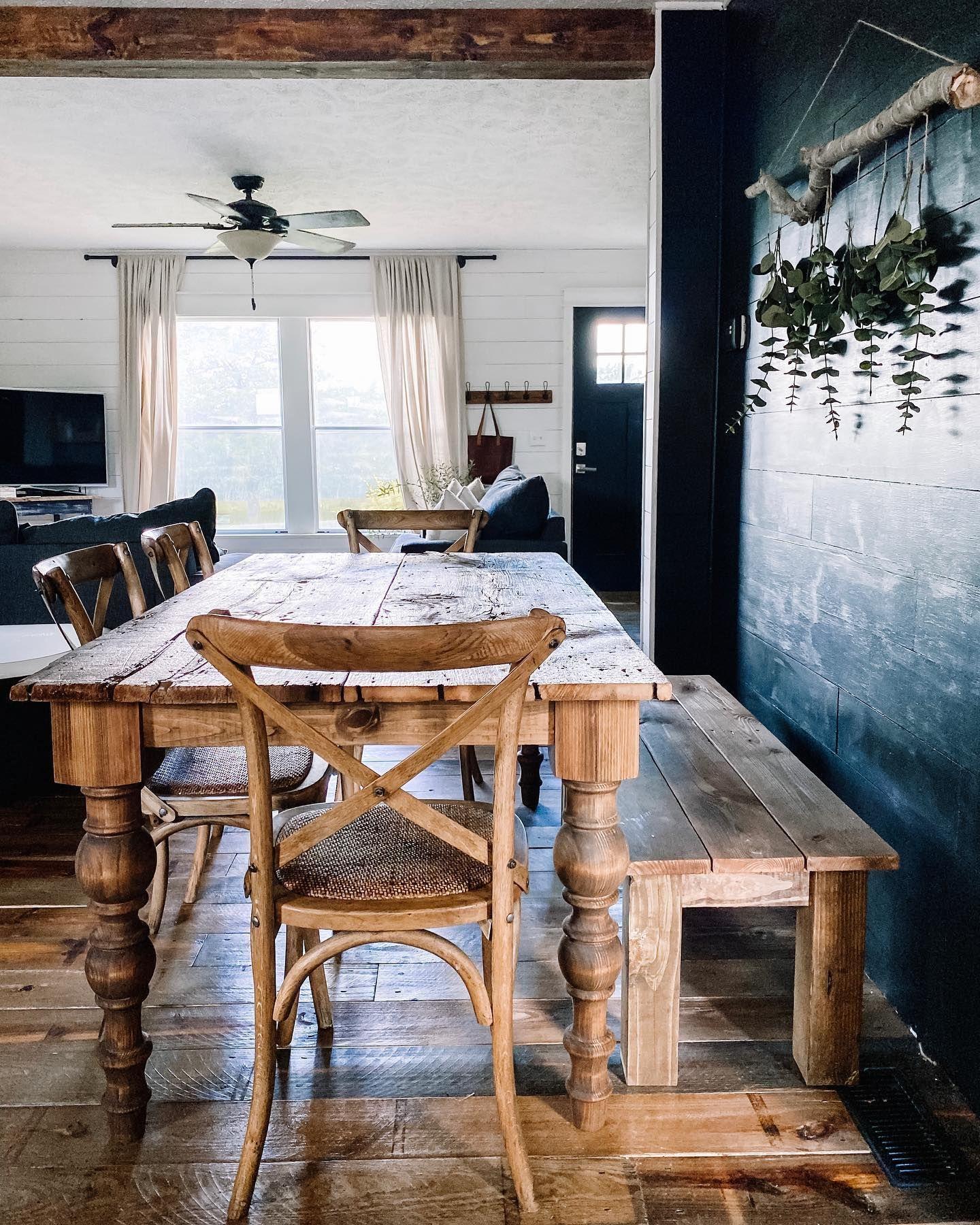 Hello sunshine ☀️ #diningroomtable #diningroominspo #tableinspiration