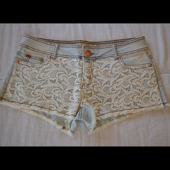 ✨Hot Kiss shorts✨ Lace front and back pocket shorts. Not Urban Outfitters brand. Urban Outfitters Shorts