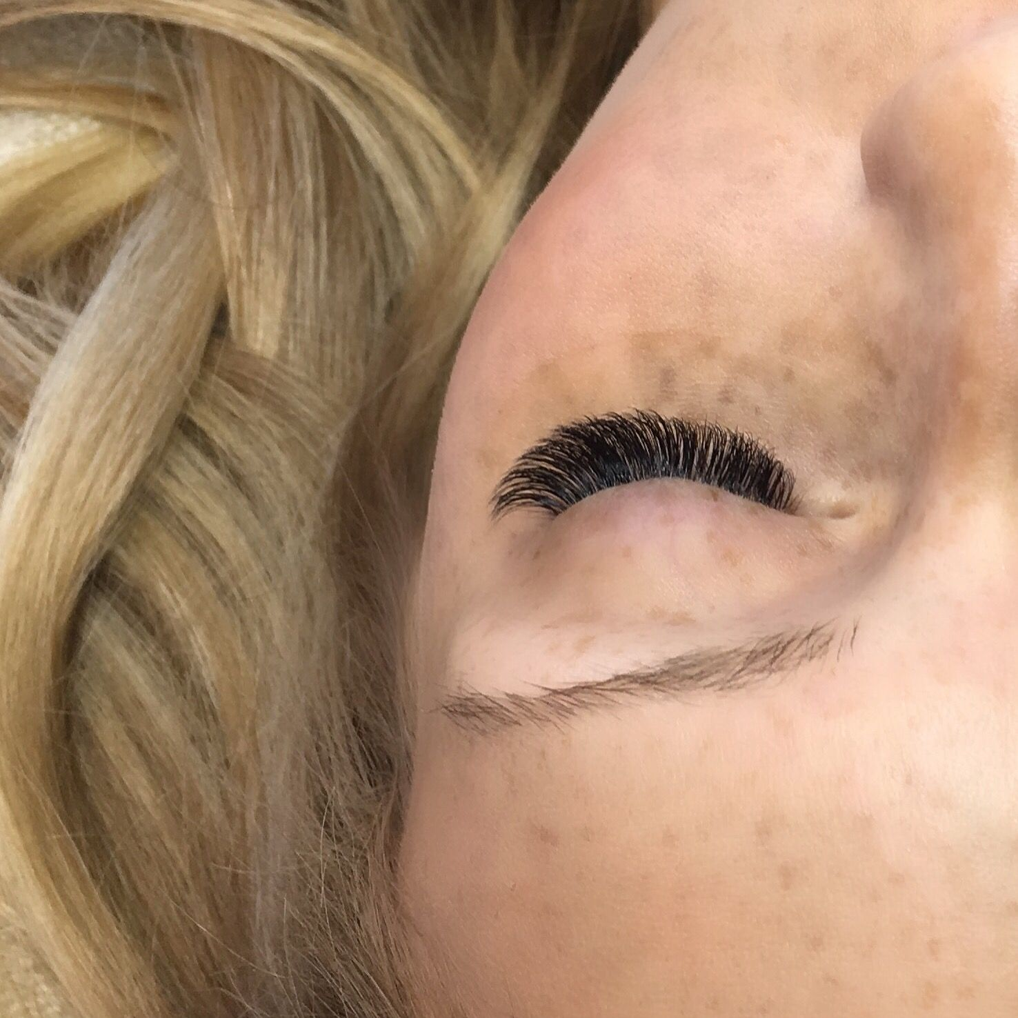 Closed eye shot - wedding lashes. Perfect pop to your eye for ...