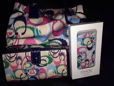 Coach Handbag And Matching Wallet W/iPhone 5 Matching Case