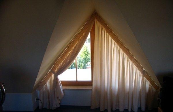tolle ideen wie sie ihr dreiecksfenster verdunkeln gardinen ideen gardinen und garten ideen. Black Bedroom Furniture Sets. Home Design Ideas