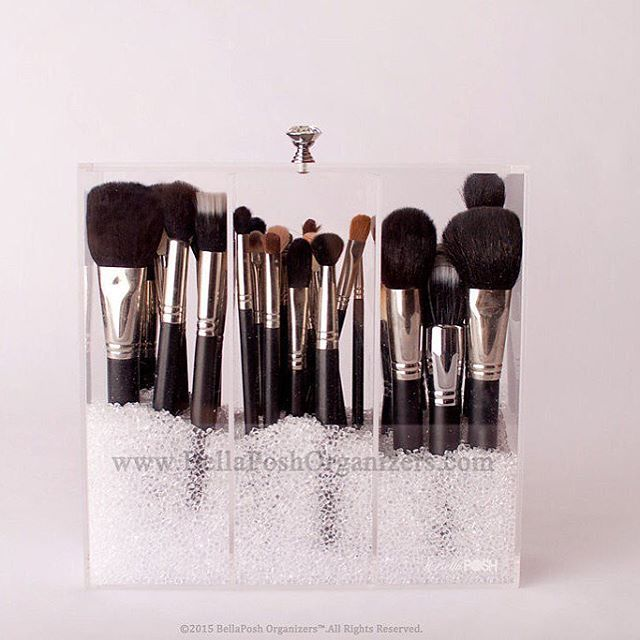 our diamond brush holder with lid crystal handle keep your makeup brushes free from dust and. Black Bedroom Furniture Sets. Home Design Ideas
