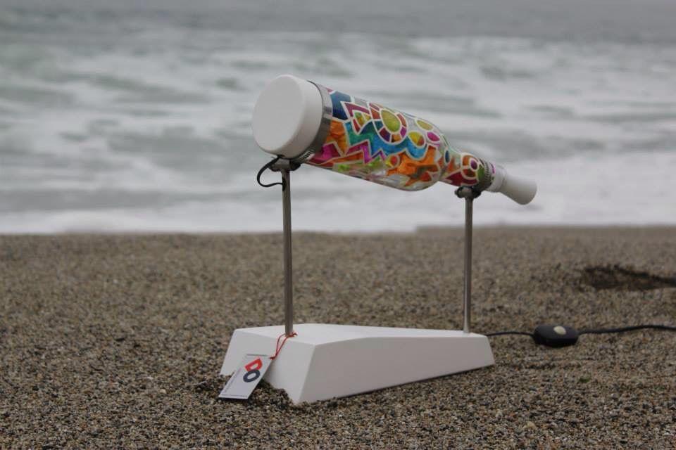 Lámpara reciclaje   Diseño Arq. Sandra Morales  Pintura y montaje José Puma - Edwin Peña