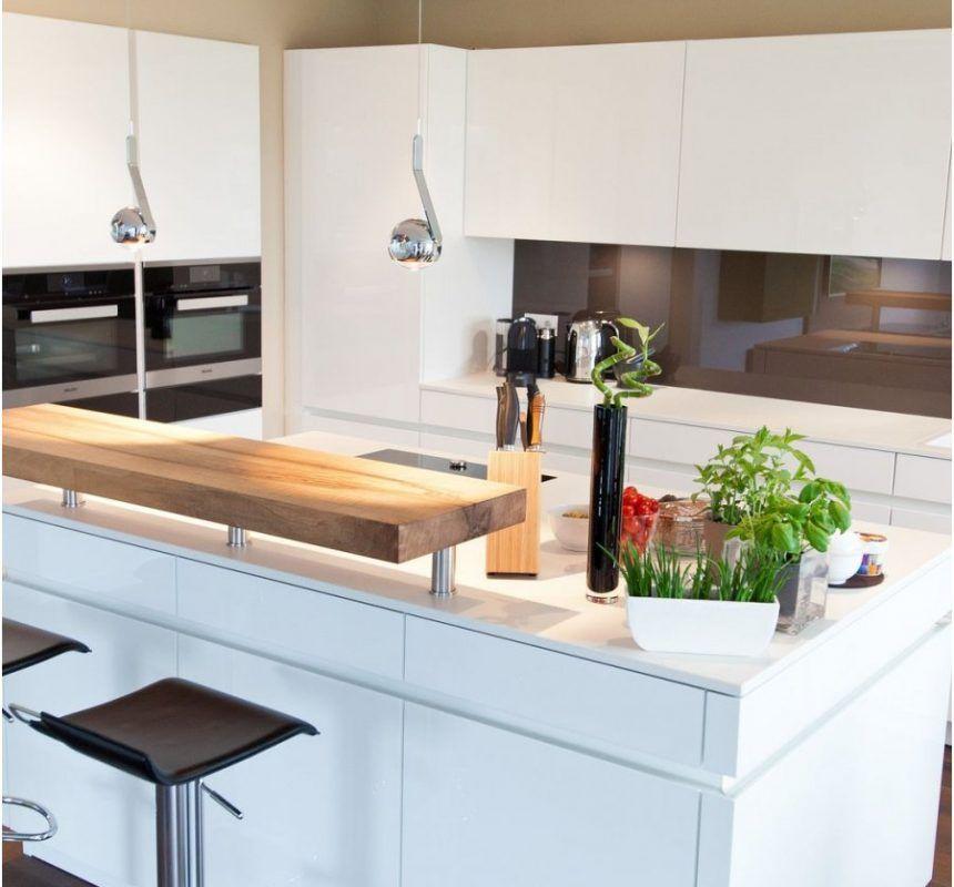 Kuche Theke Elegant Kochinsel Kuchentraum In Hochglanz Weiss Mit Theke Und Kuche Zuschnitt Kuche In 2020 Kitchen Counter Decor Kitchen Decor Apartment Kitchen Decor
