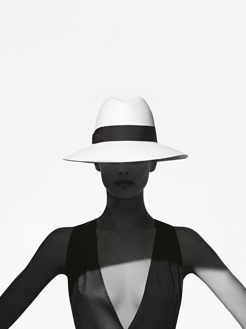 Portrait - Editorial - Fashion - Hat - Glam - Shadows - Black and White - Photography - Pose Idea