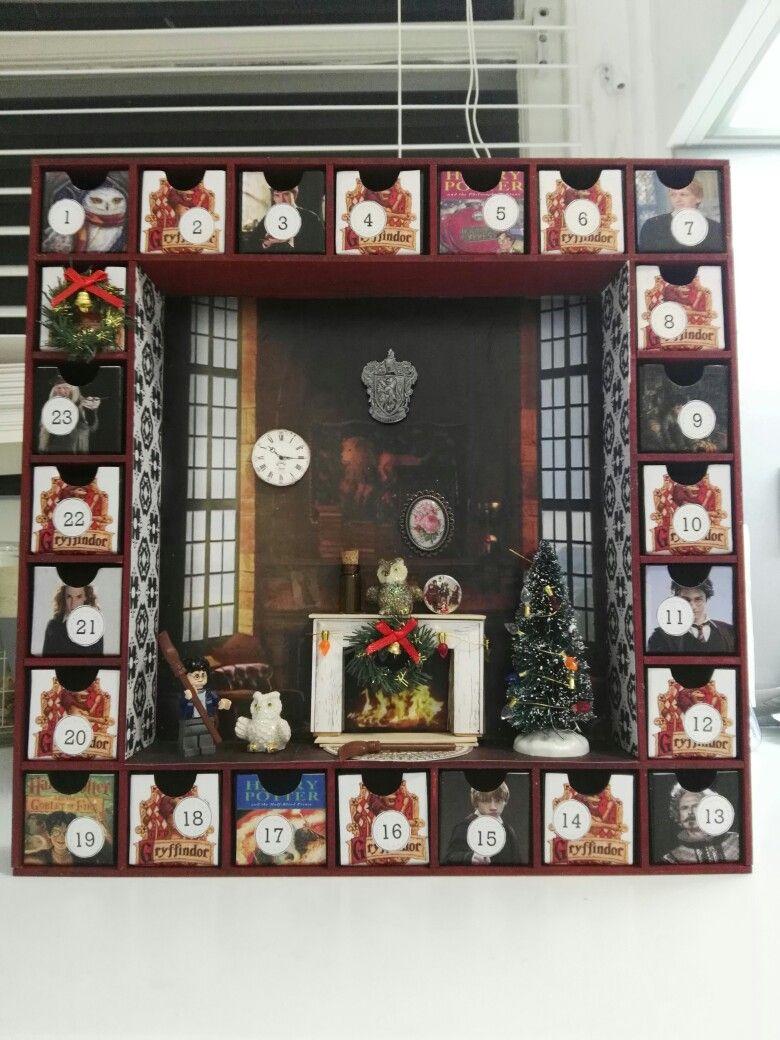 Weihnachtskalender Harry Potter.Gryffindor Harry Potter Themes Advent Calendar It S My Party