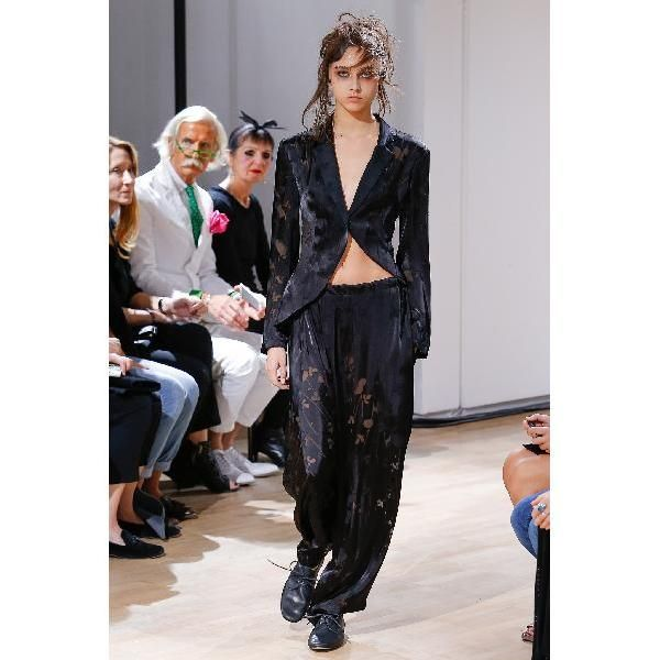 evaChic | This Yohji Yamamoto Regulation Hawthorne Devoré Harem Pants is subtle, yet statement-making, with an incredible floral devoré on sheer satin fabric. Its drawstring waistline offers the easiness of track pants. Add it to your sophisticated eveningwear separates. http://www.evachic.com/product/yohji-yamamoto-regulation-hawthorne-devore-harem-pants/