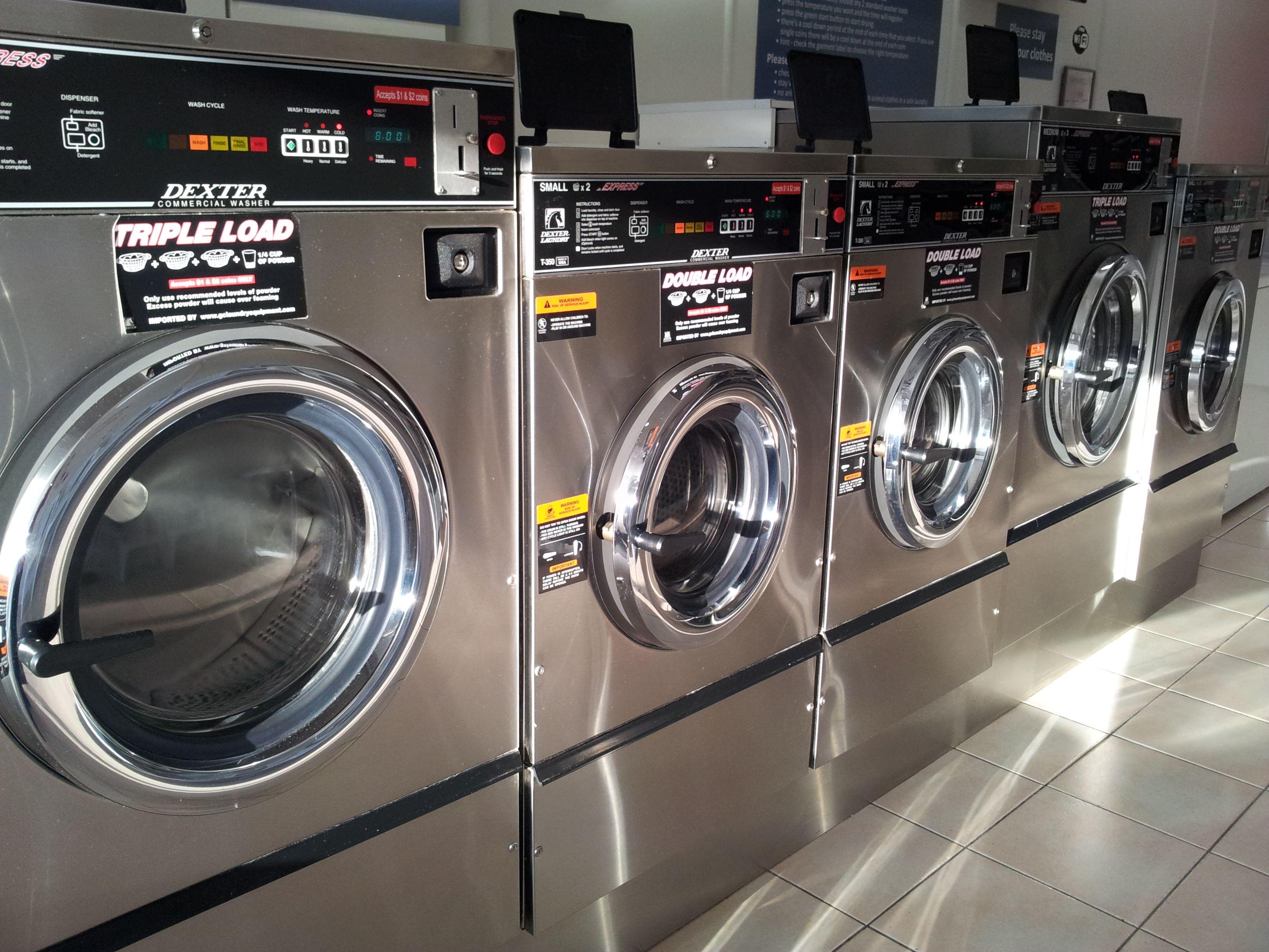 Indooroopilly Laundromat At Hillsdon Road Taringa Brisbane