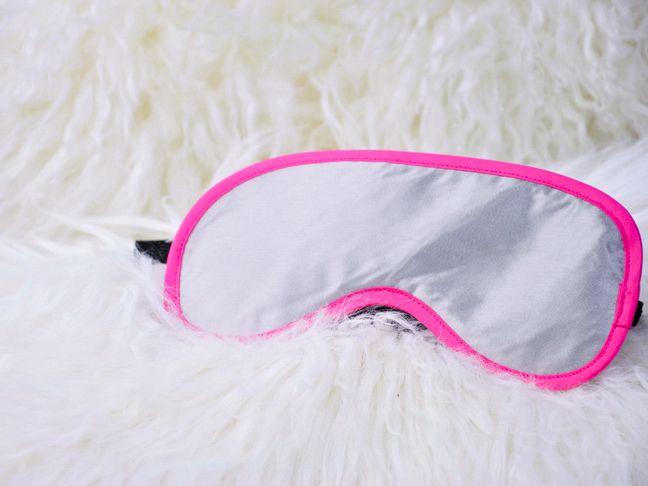 DIY: satin sleep mask