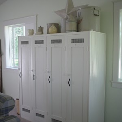 Diy Laundry Room Mudroom Lockers With Doors But Looks Like It Has Mesh For Airing Shoes Etc