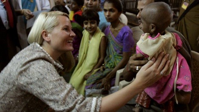 In spring 2006 visit Crown Princess HIV and AIDS victims in Mumbai, India.