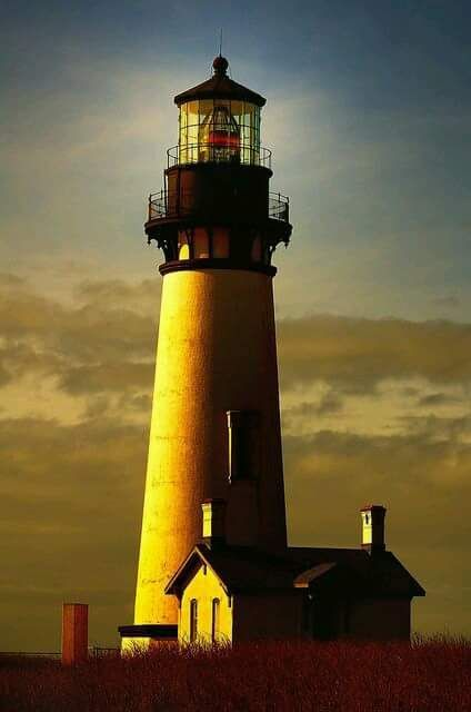 oregon lighthouse coast head beacon yaquina tallest oldest historic second phares phare continuously operating hope plage places joys aesthetic hiking