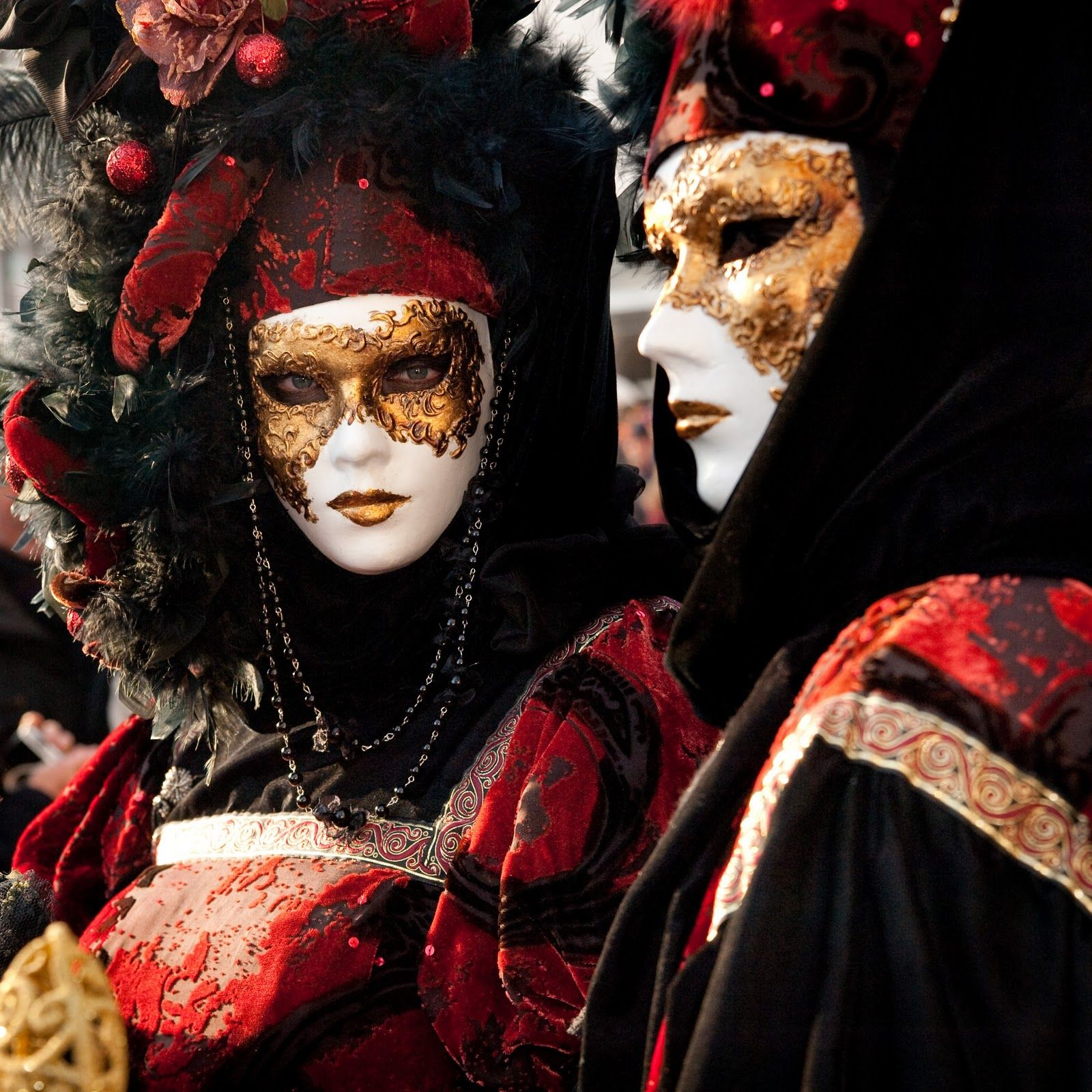 Direct From Venice: Carnival of Venice - Yearly Show of Costumes ...