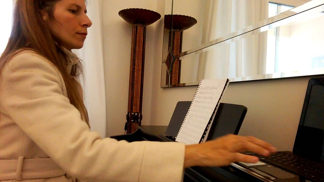 """""""Na Face Um Sorriso"""" no piano"""