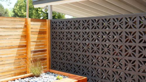 Decorative Concrete Blocks In The Modern Landscape Modern Landscaping Decorative Concrete Blocks Fence Design