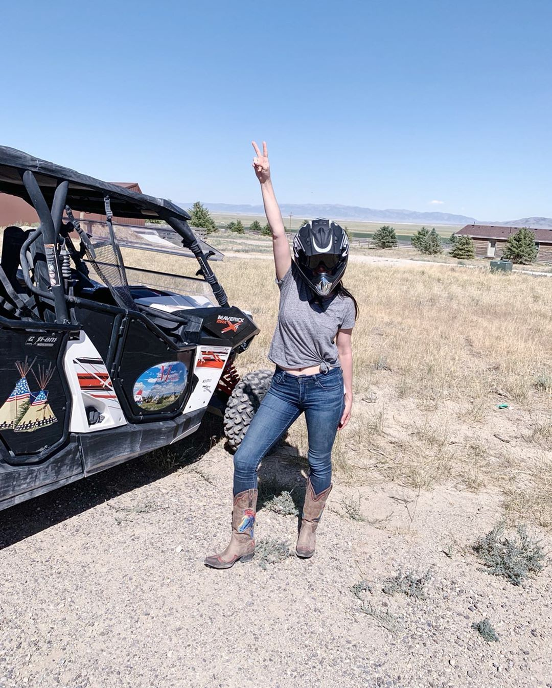 Taking on this work week after 3 different time zones and a long Labor Day weekend.... we got this! Swipe right for the...   Taking on this work week after 3 different time zones and a long Labor Day weekend.... we got this! Swipe right for the aftermath of a 2 hour ATV in the Nevada dessert @mustangmonument @tzelltravel #tzelltravels  @mysteriousconcepts #labordaydesserts