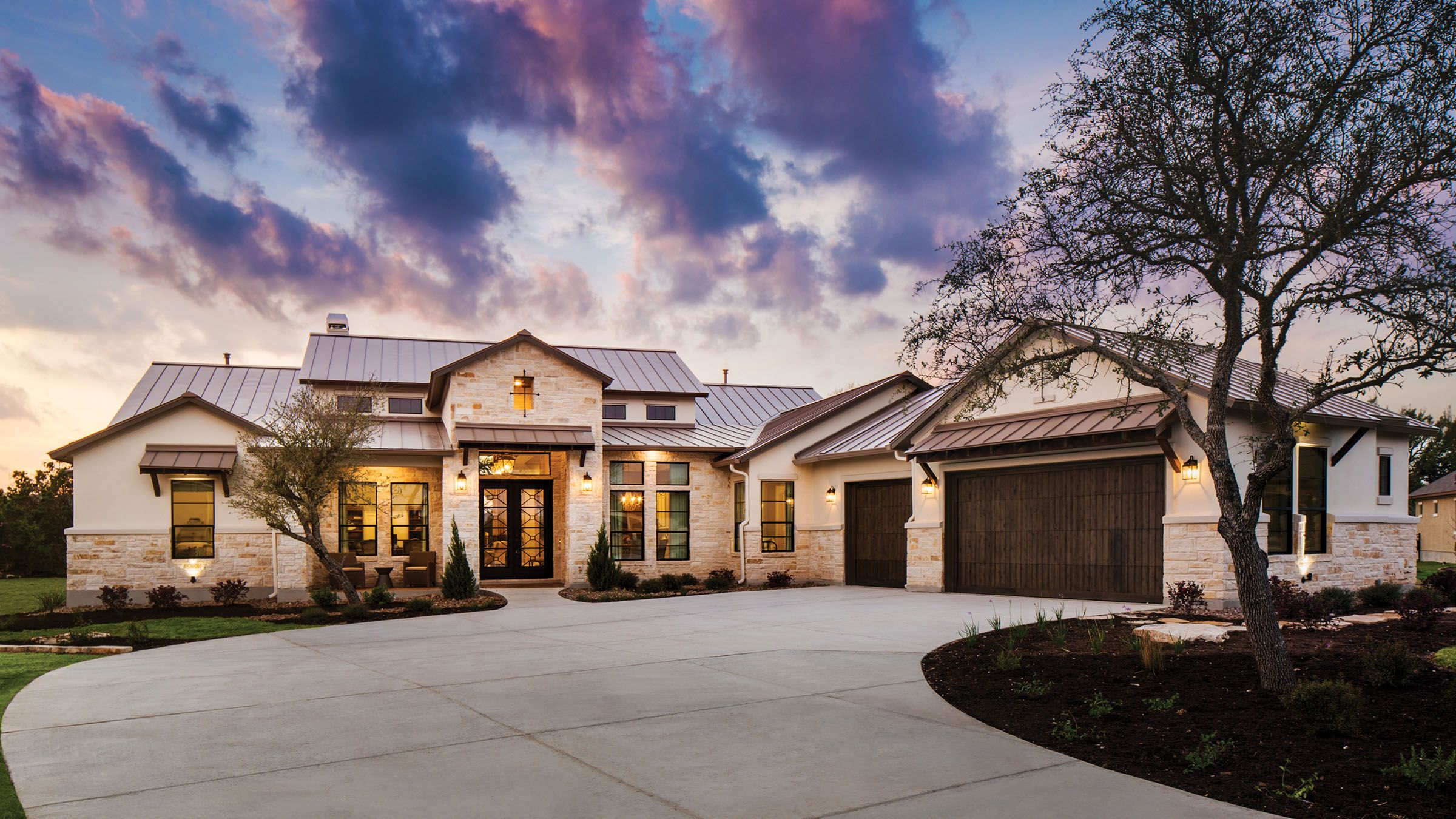 College Station Model Home Park Texas Casual Cottages In 2020 Country Home Exteriors Hill Country Homes Texas Hill Country House Plans