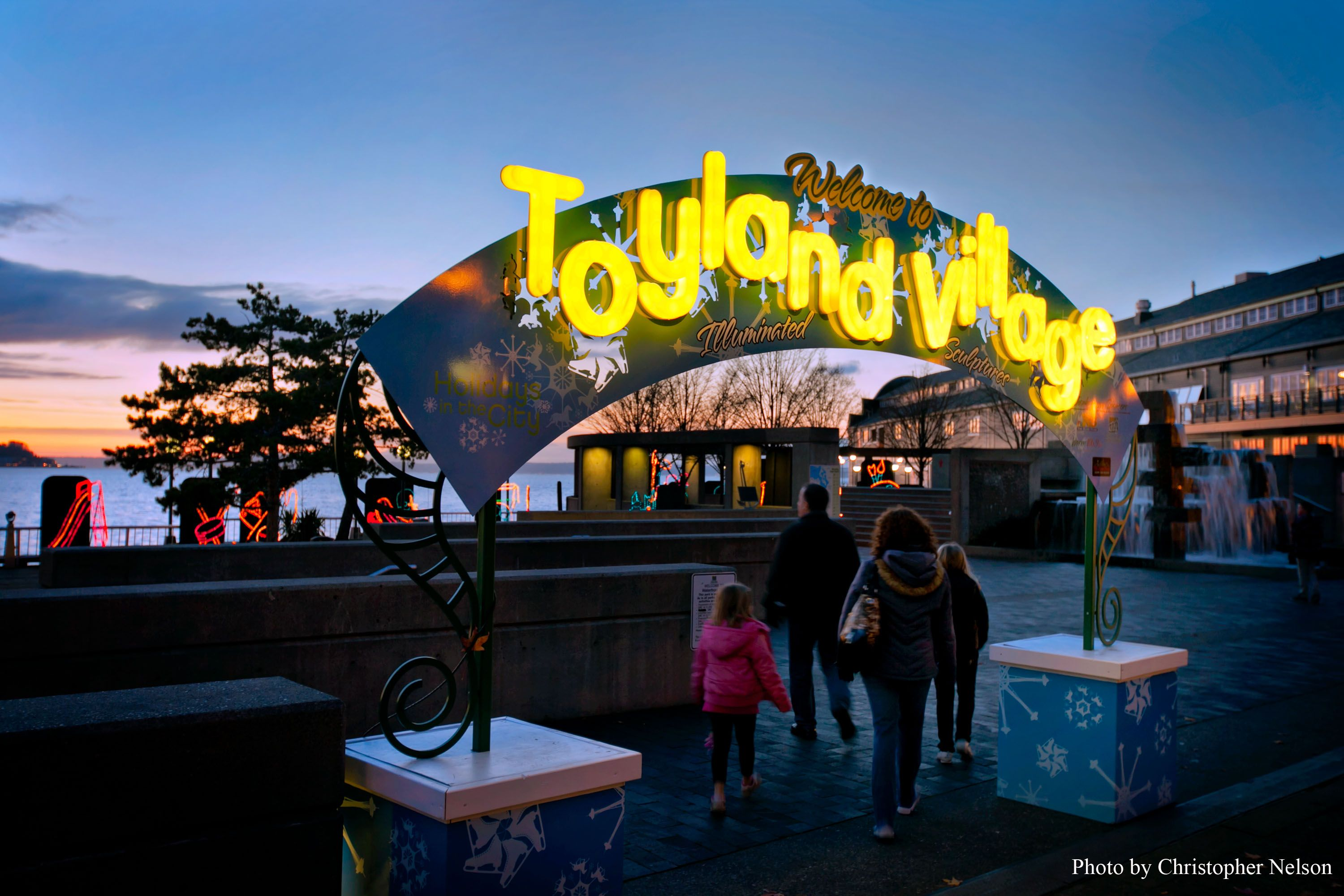 Holiday Toyland Village, Downtown Seattle's Waterfront Park