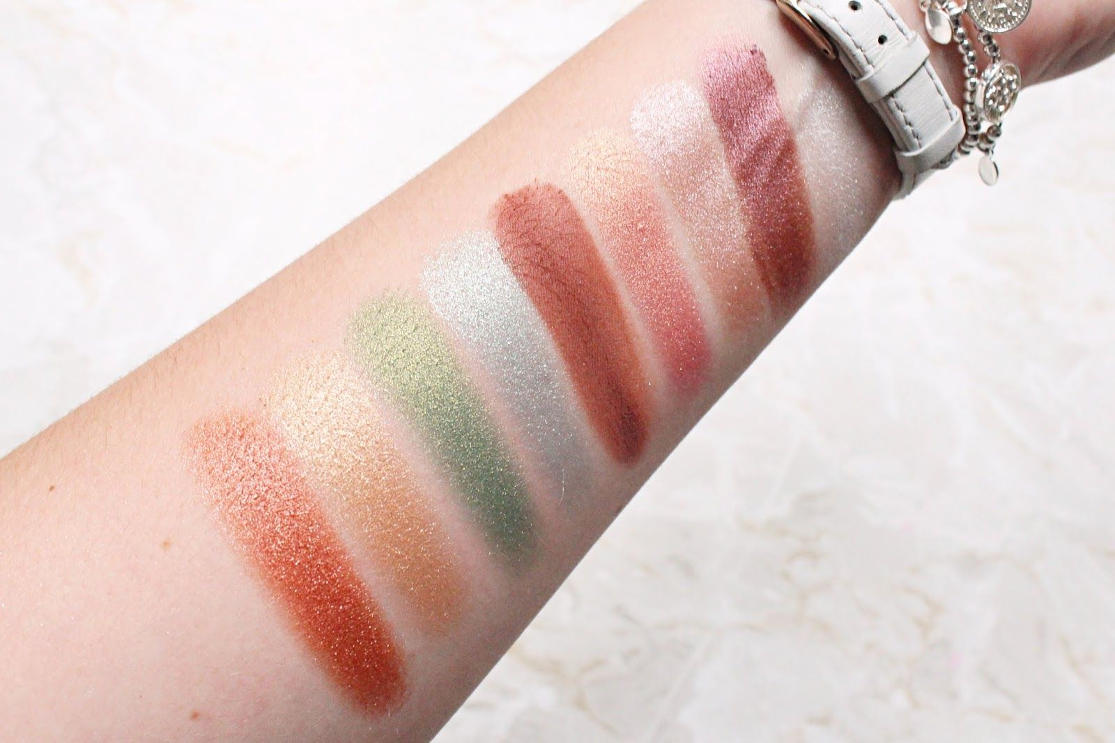 Essence Crystal Powder Palettes Review & Swatches Matte