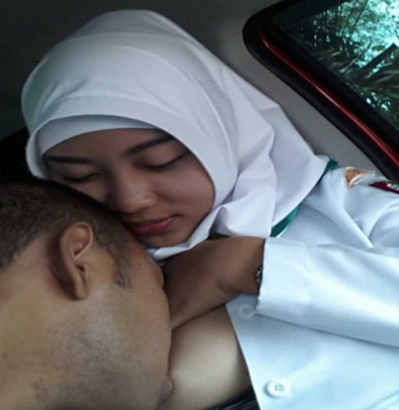jilbab sex Bidan