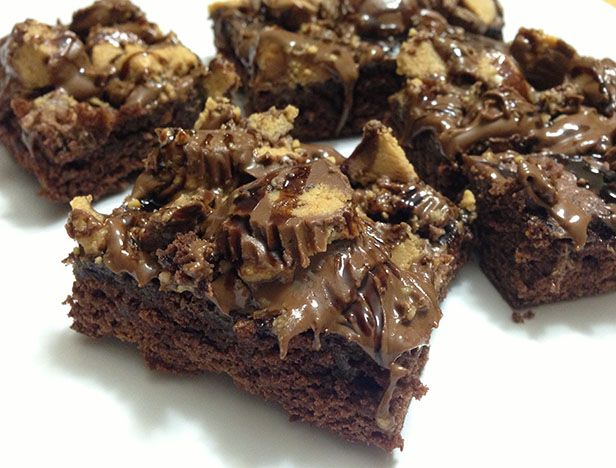 Rocky Top Brownies Recipe >> http://blog.diynetwork.com/maderemade/2013/09/20/easy-tailgate-brownies?soc=pinterest