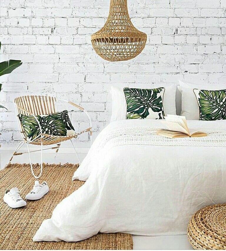 Simple Elegant Bedroom: Simple And Elegant Bedroom