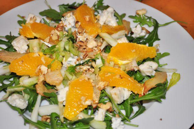 Salada de Rúcula com Pera assada, laranja e gorgonzola