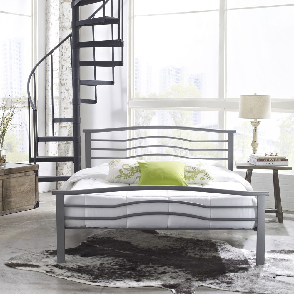 The perfect mixture of contemporary elegance, this platform bed is a ...