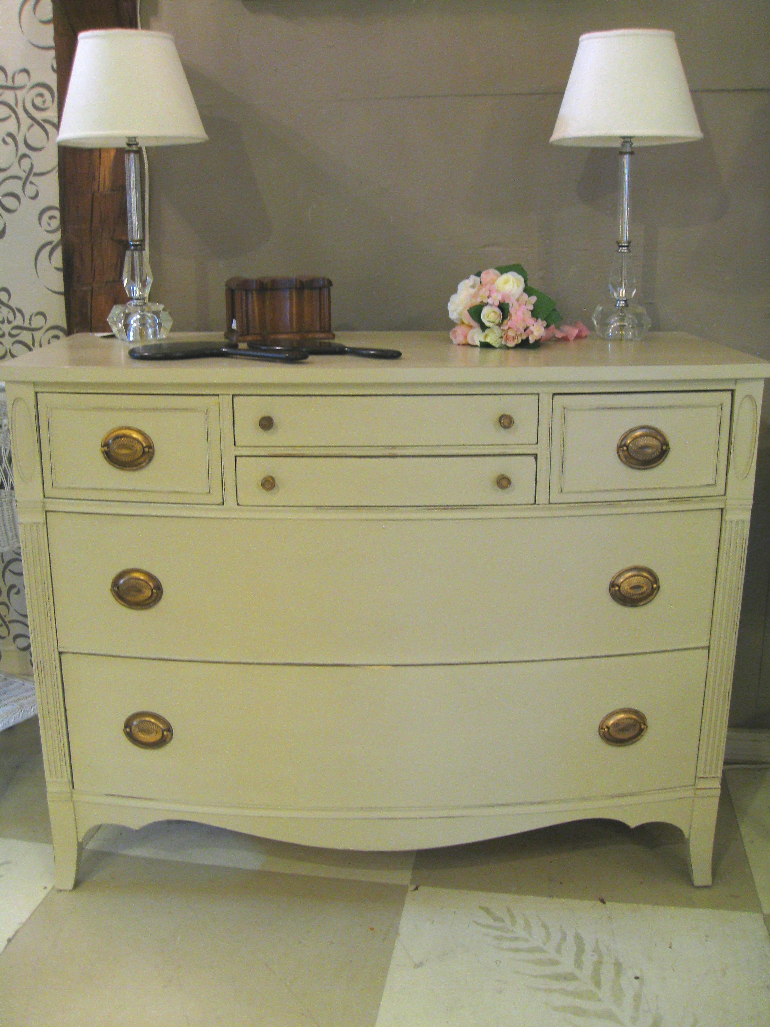 Pretty Vintage Chest Of Drawers Painted With Annie Sloan Chalk  # Muebles Efecto Vintage