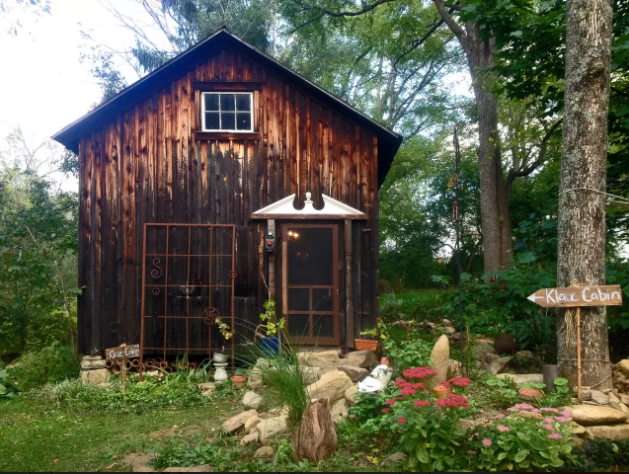 5 Tiny Cabins In The Poconos You Can Rent This Summer