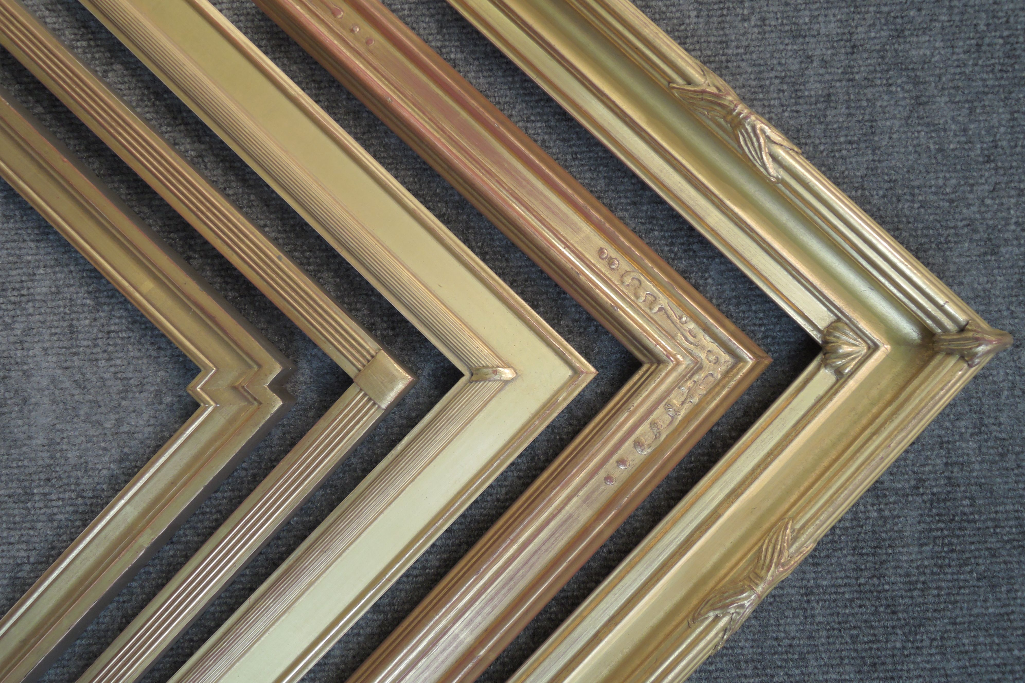 We carry gilded, closed-corner frames by AMCI and C&J suppliers both ...