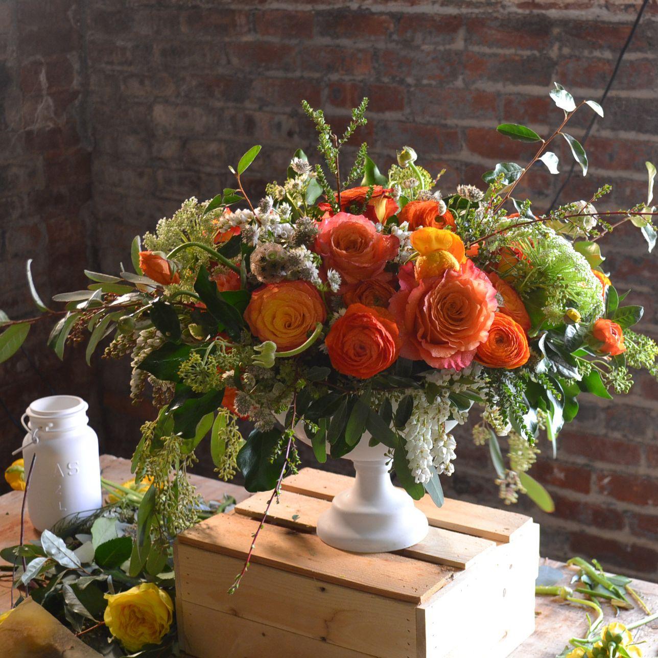 Flower arrangement by Tin Can Studios, Brooklyn (Ingrid Carozzi ...