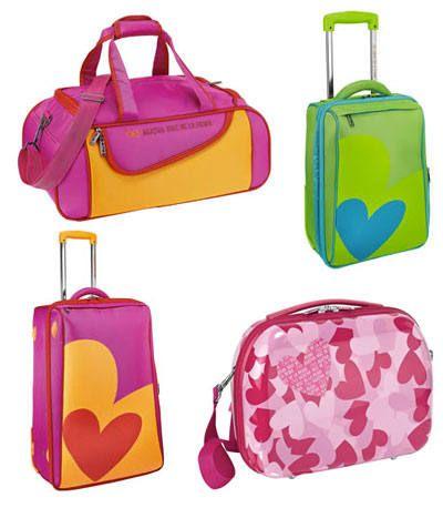 eec90b858 Agatha Ruiz de la Prada.. mi hermosa maleta verde, regalo de mi pa' :)