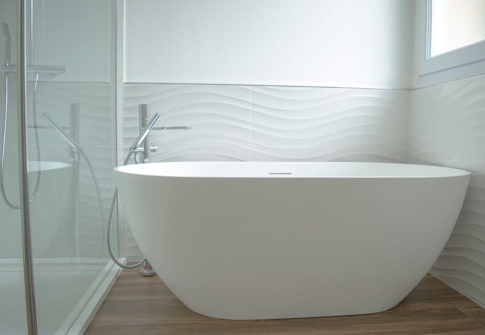 Baignoire Ilot Posee Design Carrelage Relief Porcelanosa Blanc