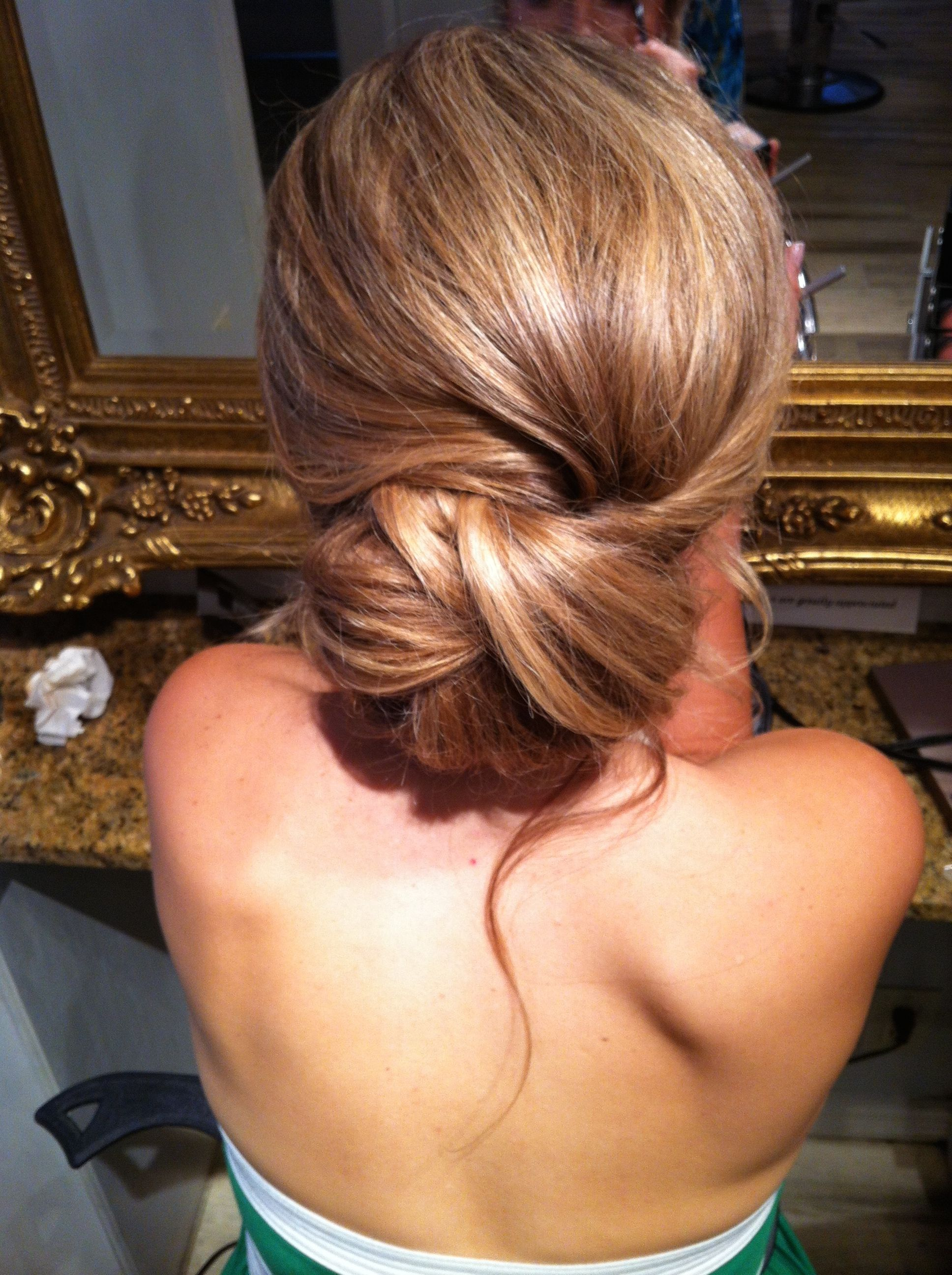 Wedding updo hair bun recogido moño bajo peinado de novia
