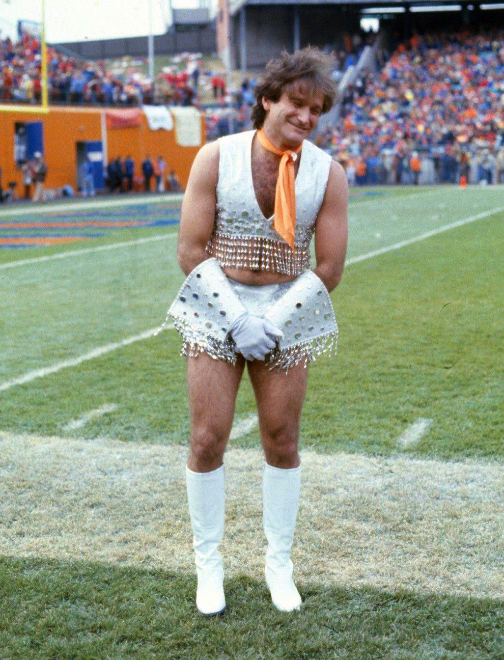 Robin Williams, em 1979, fazendo o que ele sabia fazer de melhor — nos fazer rir. | 26 personalidades e celebridades como você nunca viu