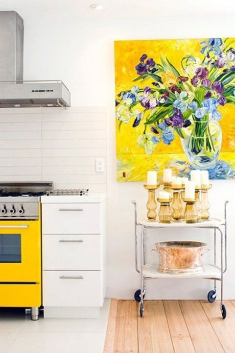How To Decorate a Blank Wall With Chic Styling | Blank walls, Wall ...